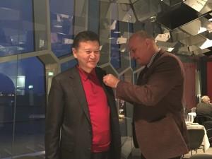 Golden pin for Kirsan Ilyumzhinov, FIDE President