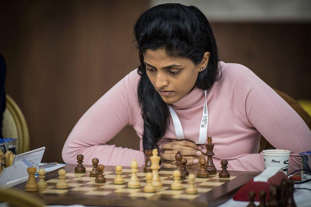 r_20171010_ecc_antalya_R3_3064 harika dronavalli Batumi Chess Club NONA