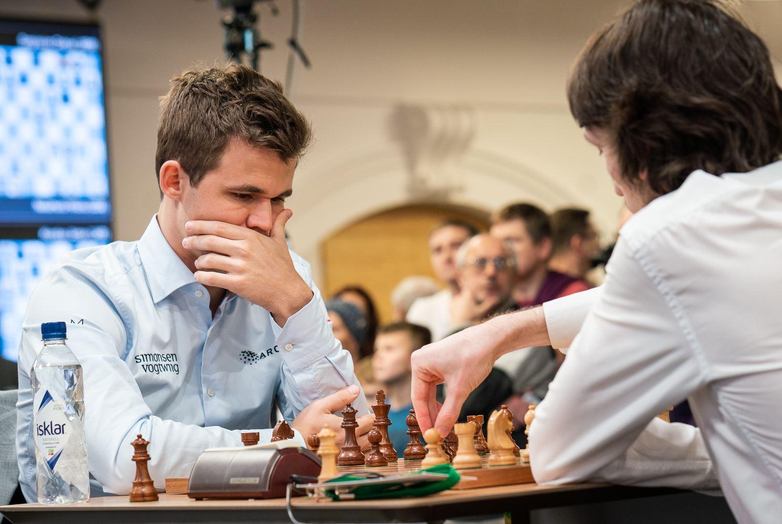 dubov daniil and ju wenjun won fide world rapid chess